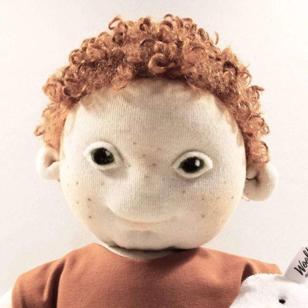 Down-szindrómás waldorf jellegű játékbaba vörös